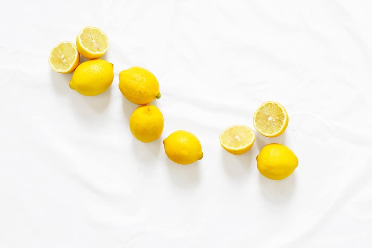 ماذا يفعل الليمون داخل المعدة