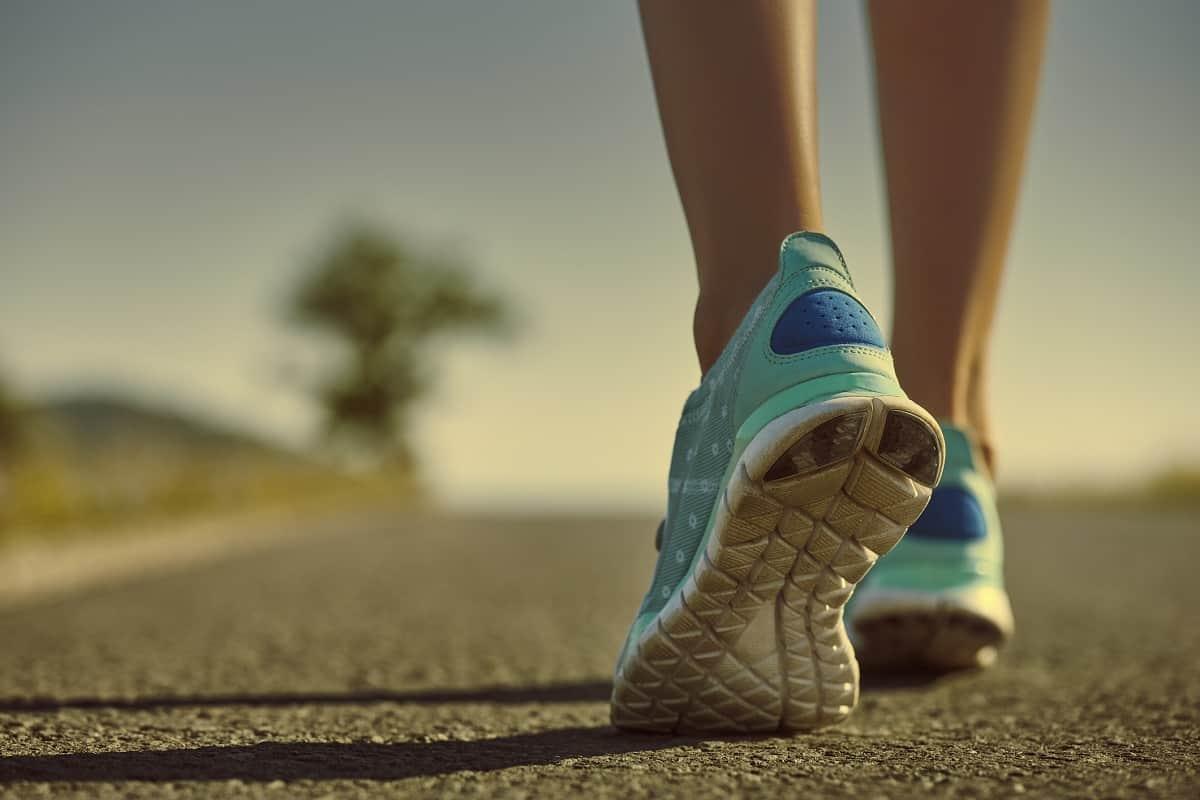 مطوية على أهمية المشي