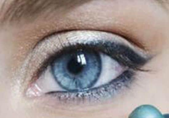 مكياج عيون خفيف