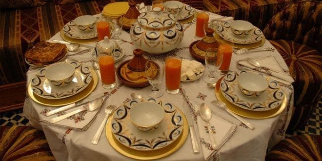 طرق تزيين المائدة