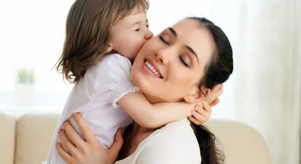 موضوع عن الام وفضلها