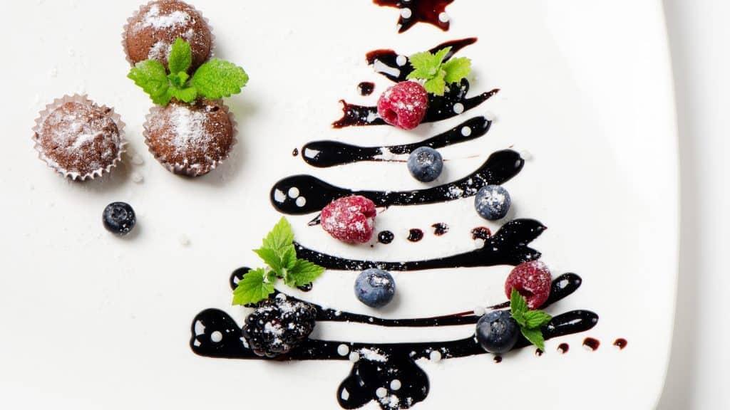 تزيين أطباق الحلوى