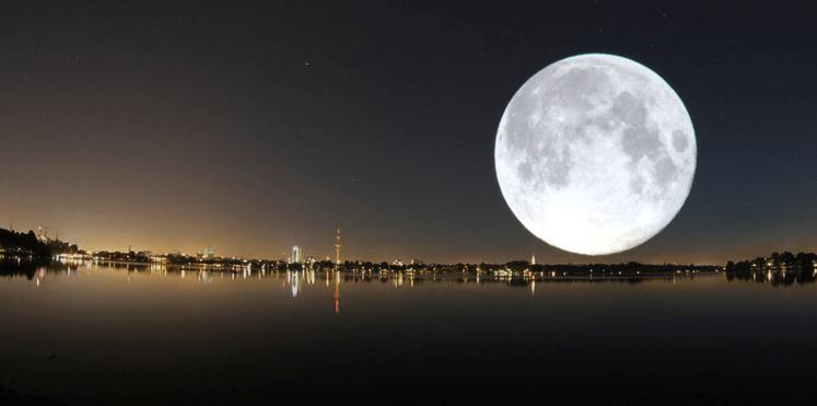 قصة الولد والقمر موسوعة