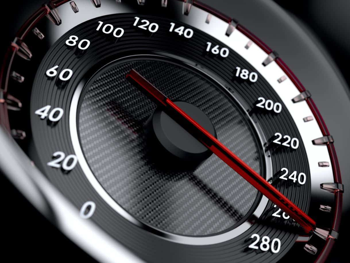 سعر مخالفة السرعة في الإمارات