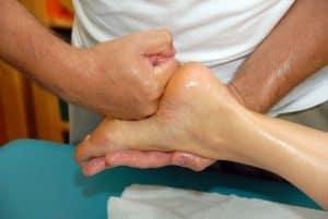 تمرين لمس الأقدام