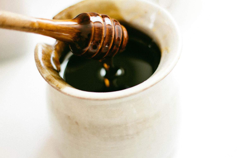 السعرات الحرارية في العسل الأسود