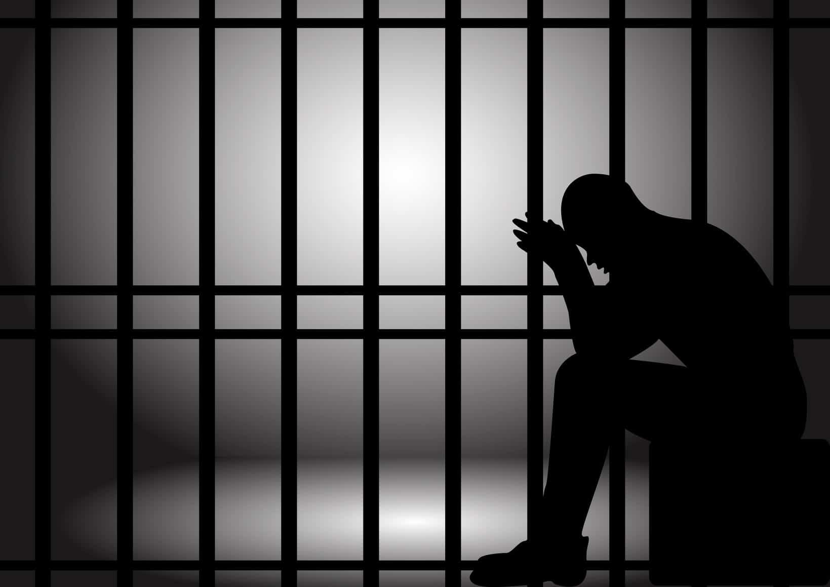 ضبطه أحد القضاة بمحكمة تونس في وضع مريب …4اشهر سجنا في حق ضابط متقاعد بوزارة الداخلية…