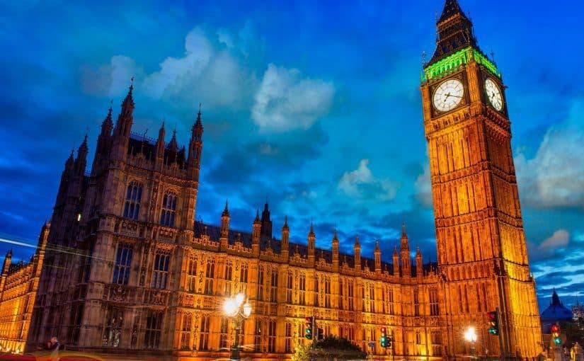 الساعة الموجودة في لندن