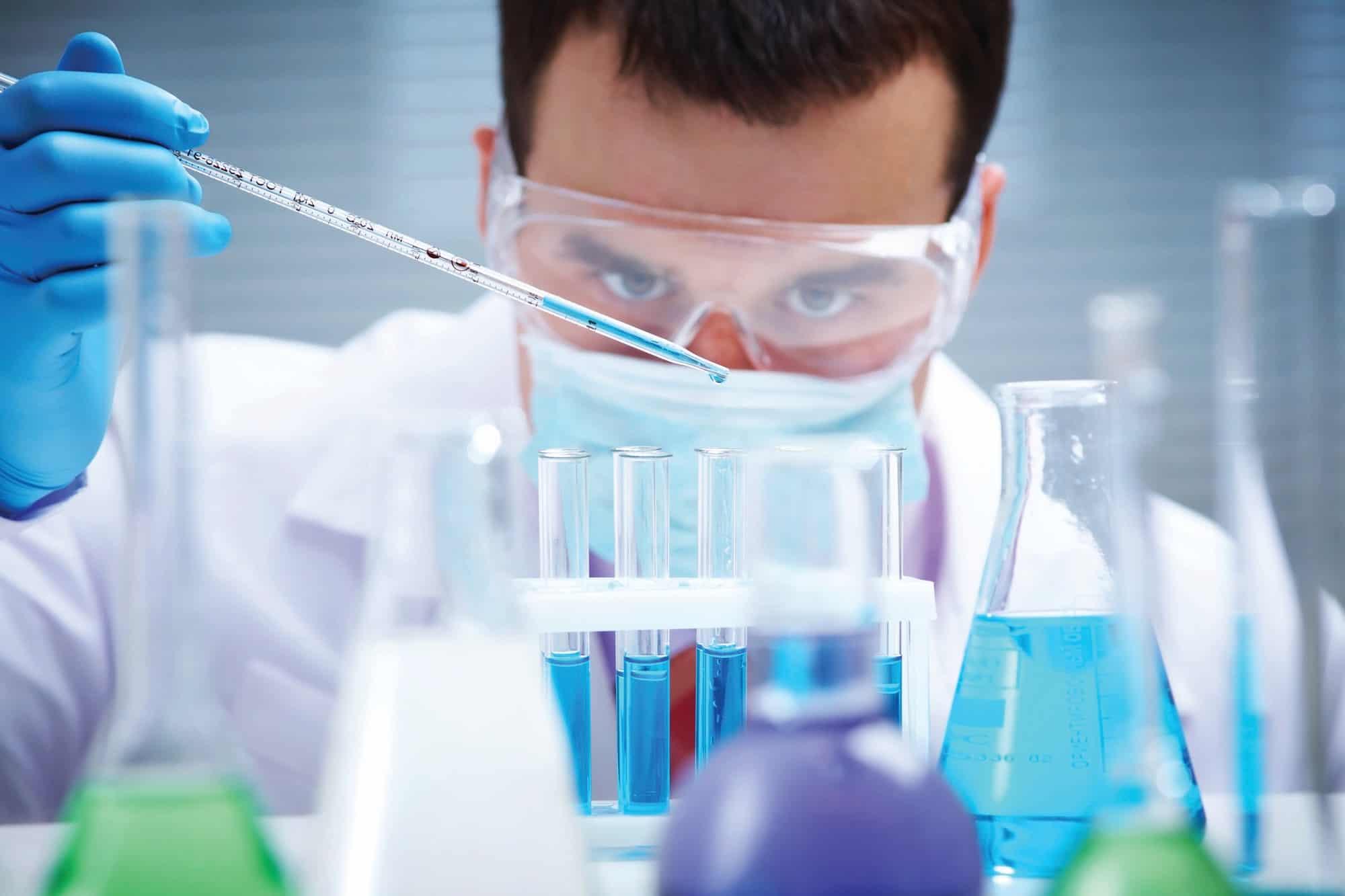الفرق بين الكيمياء والخيمياء