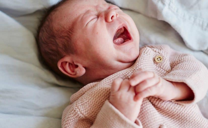 تجارب سقوط الطفل الرضيع على جبهته موسوعة