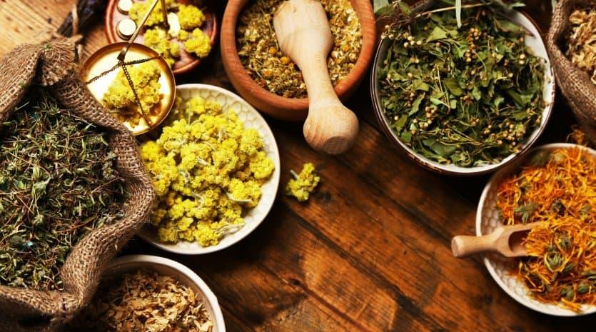 علاج طقطقة الفك بالأعشاب