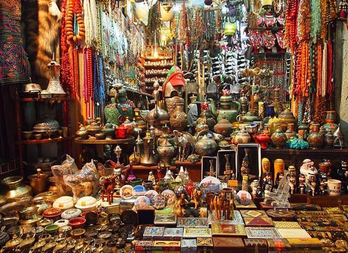 الأسواق الشعبية الإماراتية