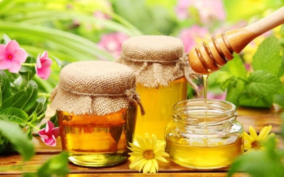 طريقة استعمال العسل الملكي