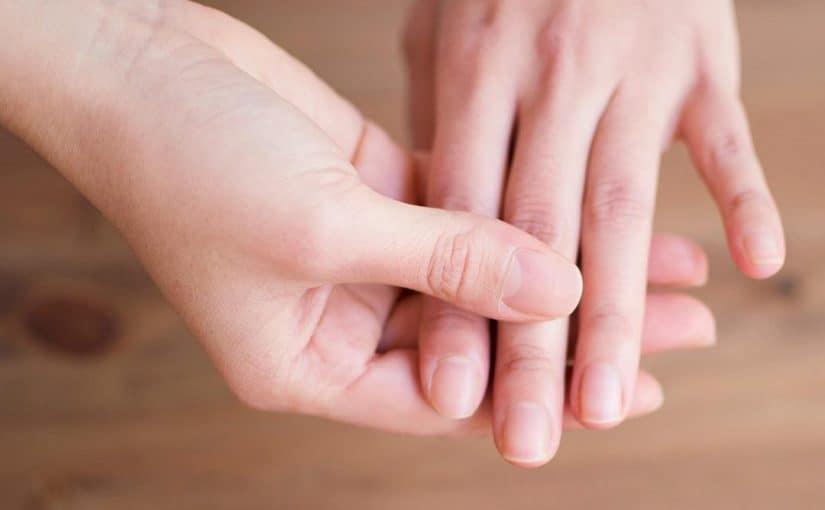 علاج الإصبع المدوحس
