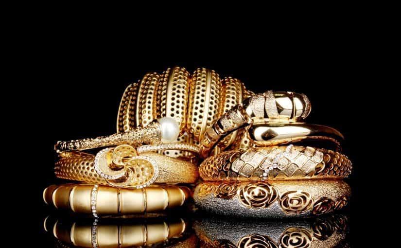 تفسير رؤية لبس الذهب في المنام