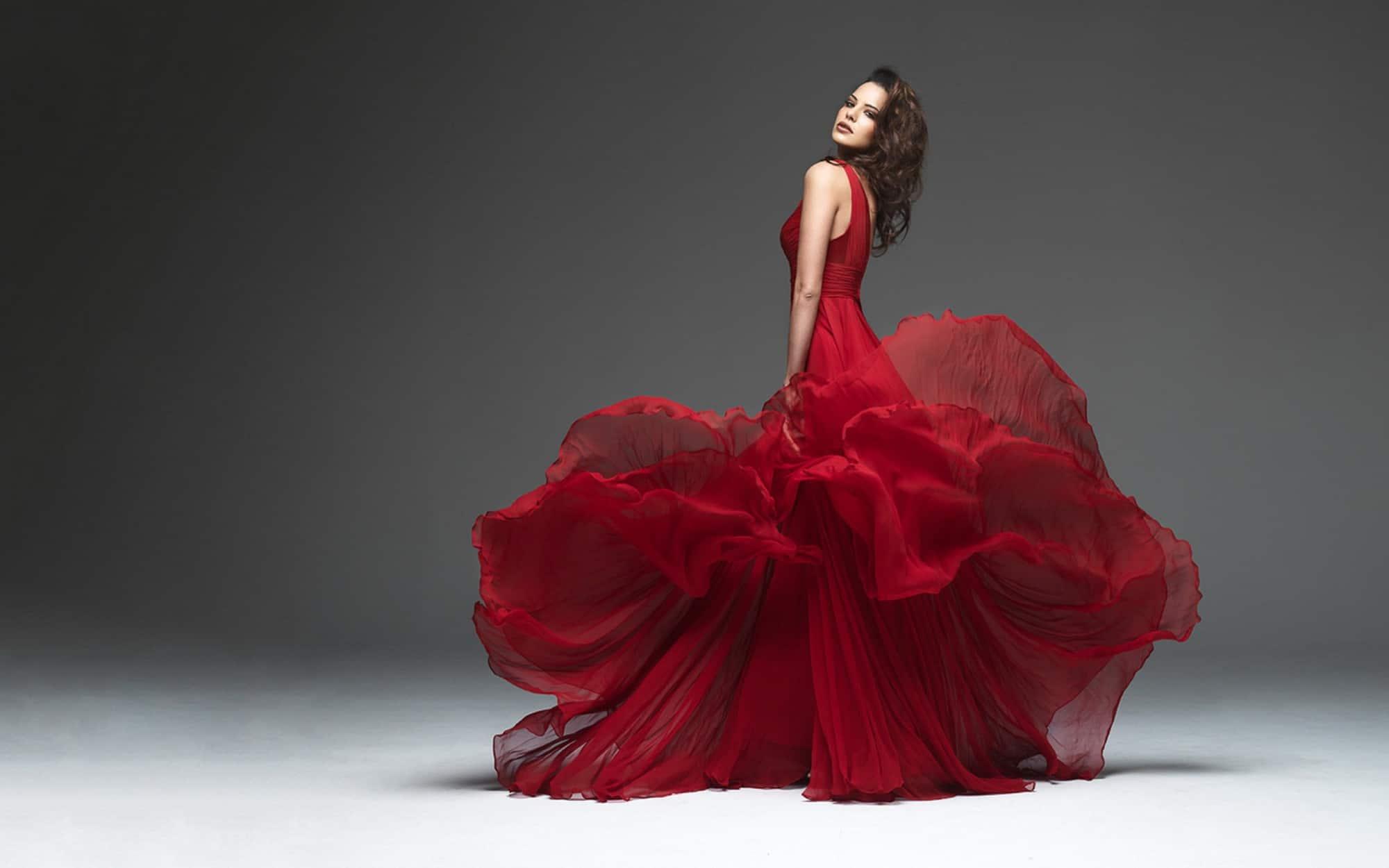 81fde42e9 لبس الفستان الأحمر في المنام للمتزوجة - موسوعة