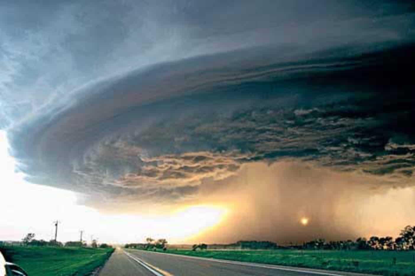 الإعصار في المنام للحامل - موسوعة