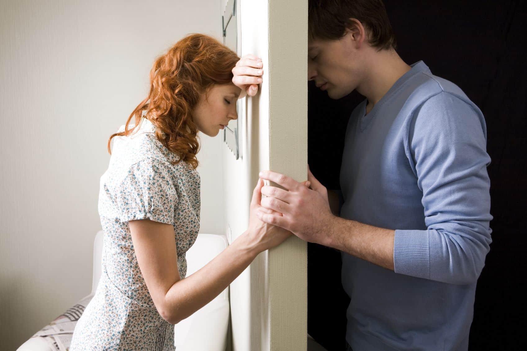 f04e50f015f8d الخلافات الزوجية والمشاكل بين الزوجين هي امر وارد حدوثه في أي وقت، لكن  الفكرة هو طريقة التعامل في حل المشاكل بين الزوجين لذلك يجب على الزوجين ان  ينظرا إلى ...