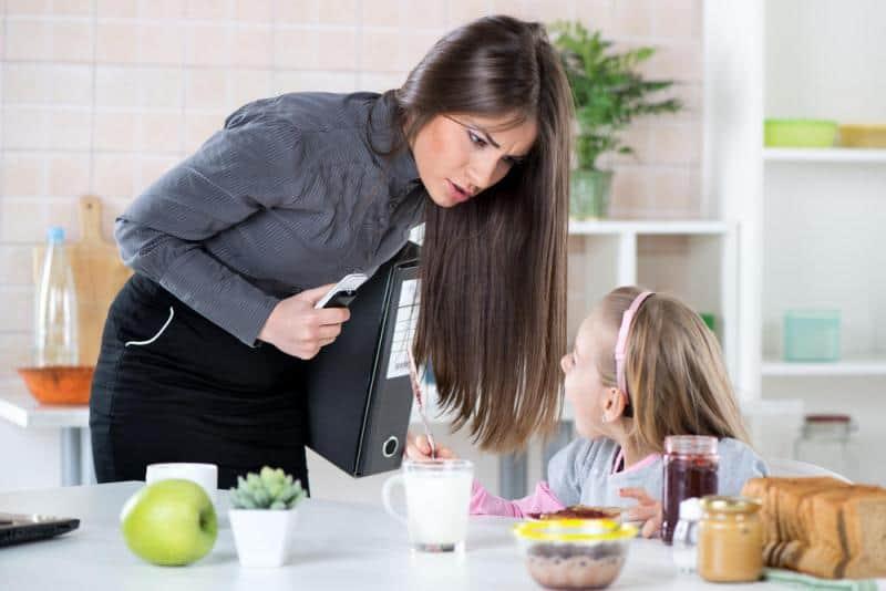كيف اتعامل مع أولادي بدون عصبية