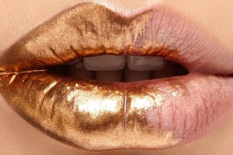 تفسير رؤية خروج الذهب من الفم