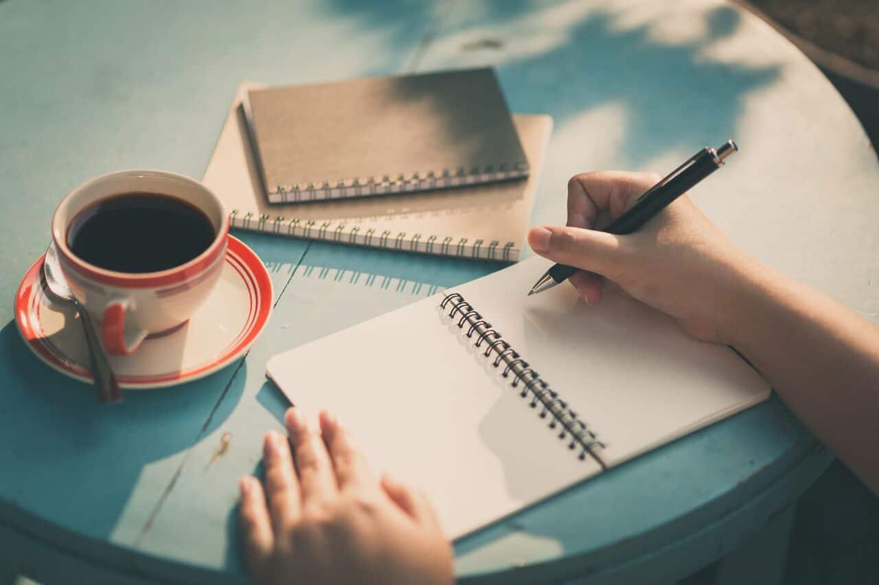 اكتب قصة قصيرة خيالية