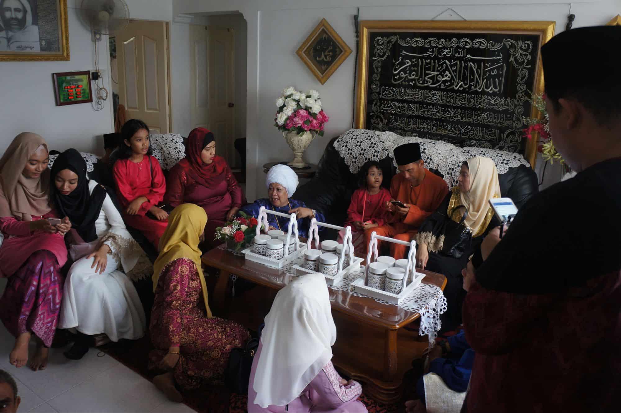 زيارة عائلية للمقيمين