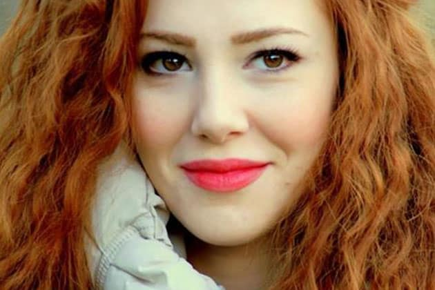الممثلة التركية ألشين سانجو