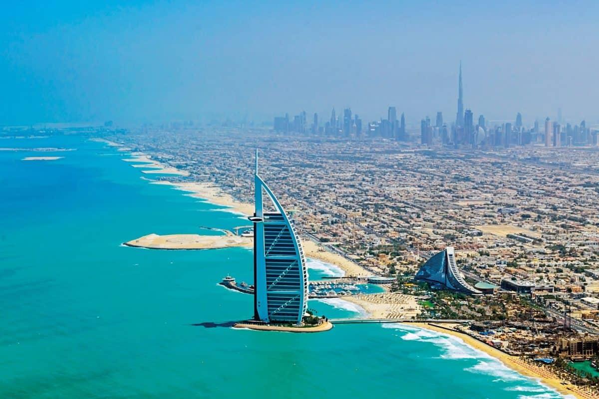 أشهر شركات السياحة في الإمارات