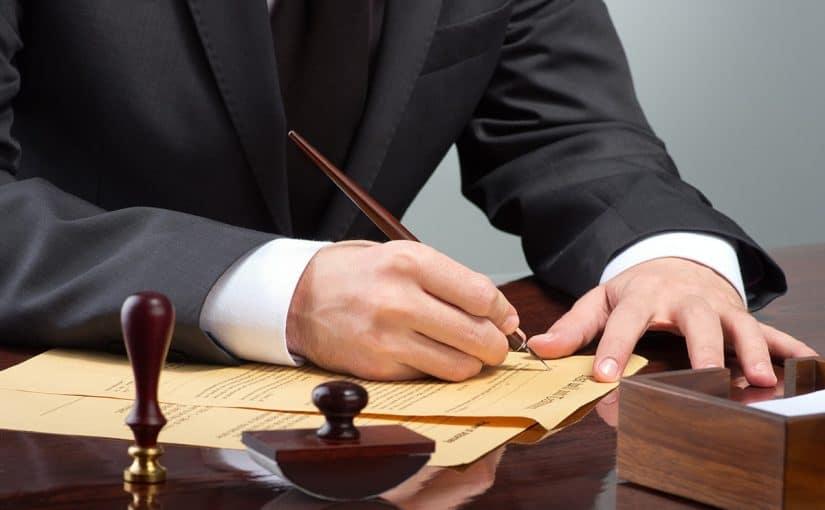 راتب المحامي في الامارات