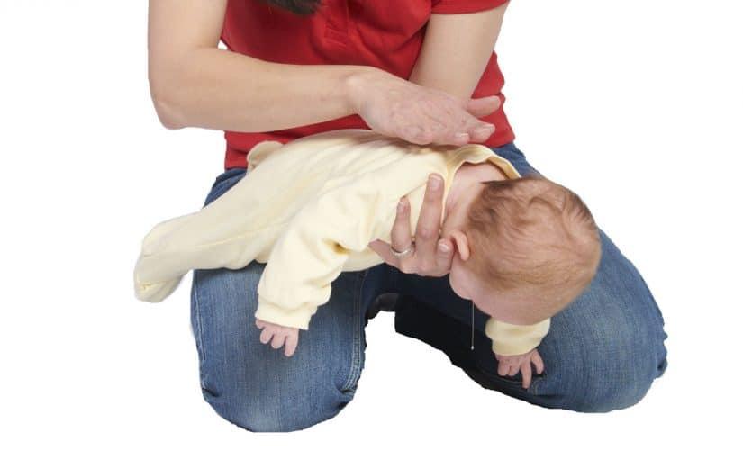 كيفية اسعاف طفل مختنق