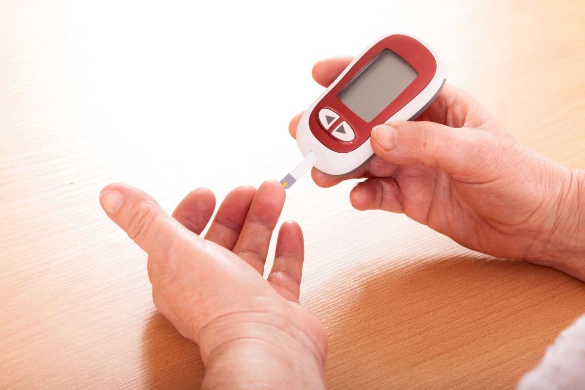 متى يفطر مريض السكري في رمضان وحكم كفارة مريض السكري في رمضان