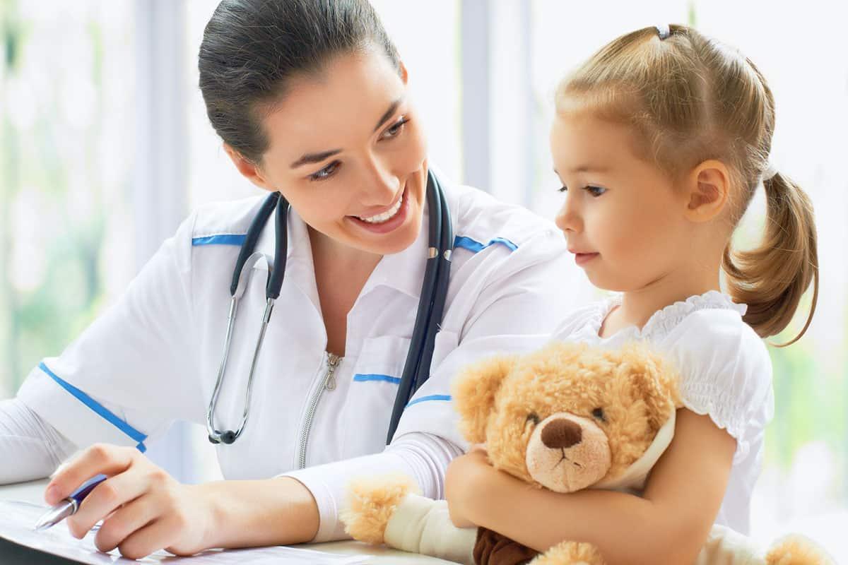 أشهر دكتور اطفال في دبي