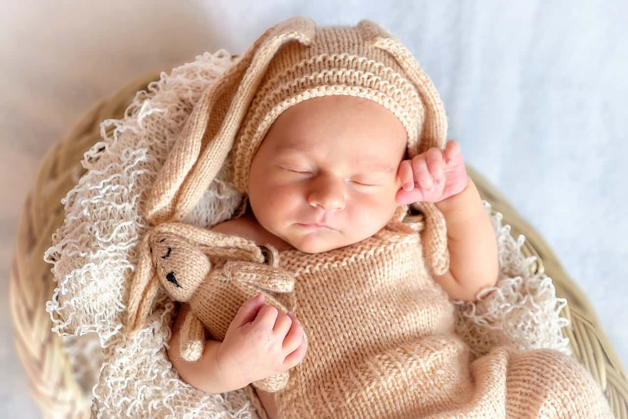 cb9f5b2240ad4 ما هي اسباب الترجيع عند الرضع - موسوعة