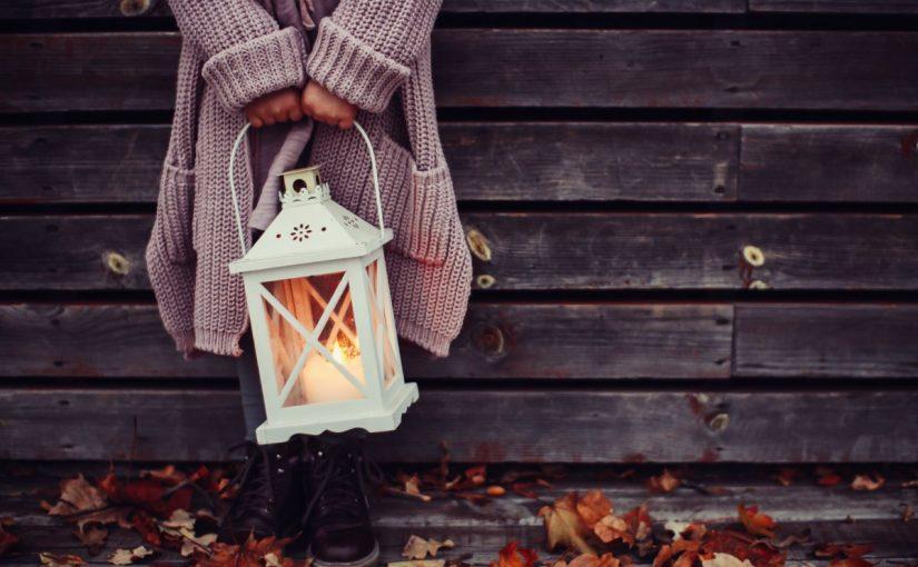 كلمة فانوس التي تطلق على المصباح خصوصا فوانيس رمضان مشتقة من اي لغة