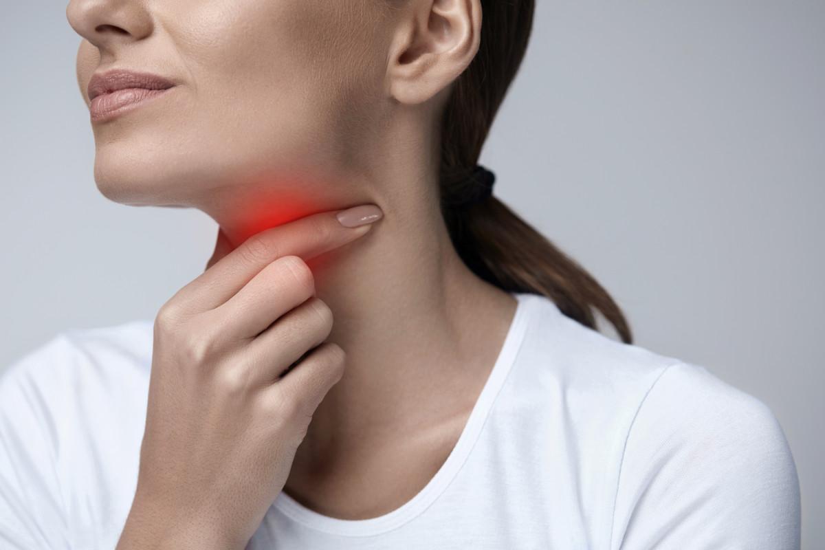 علاج ثقوب اللوزتين
