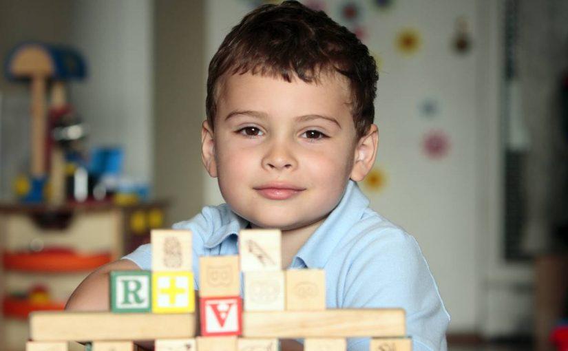 هل هل طفلي التوحدي يعرفني؟