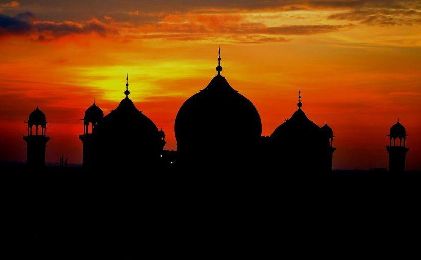 ما هي كفارة من جامع زوجته في نهار رمضان