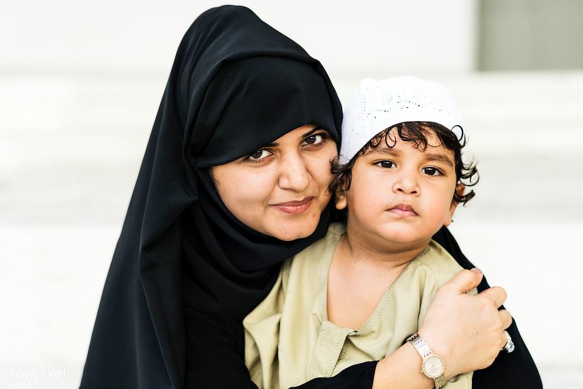 كفالة الام في الامارات