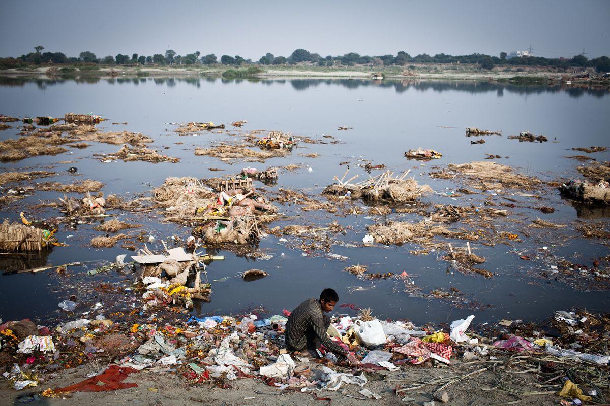 موضوع عن تلوث المياه قصير