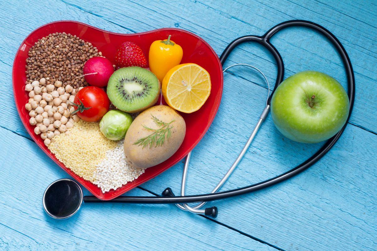 أعدي نشرة مختصرة حول فوائد الكوليسترول مستعينة بأحد مصادر التعلم