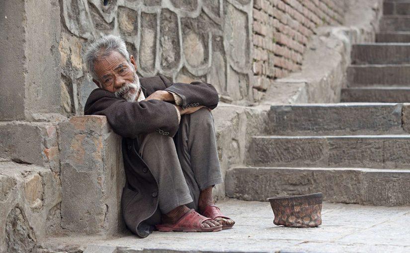 لو كان الفقر رجلا لقتلته
