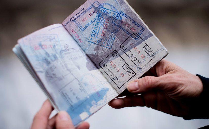 إعفاء المقيمين في الإمارات من التأشيرة المسبقة