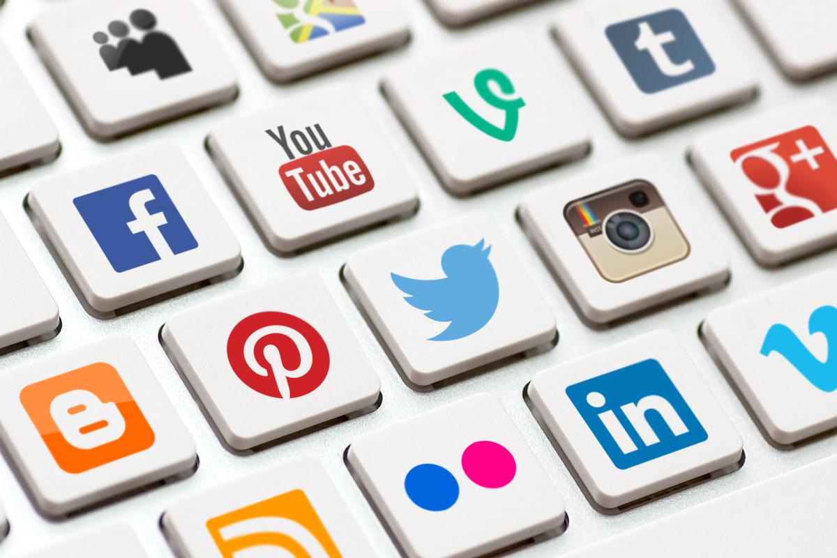 موضوع عن التواصل الاجتماعي