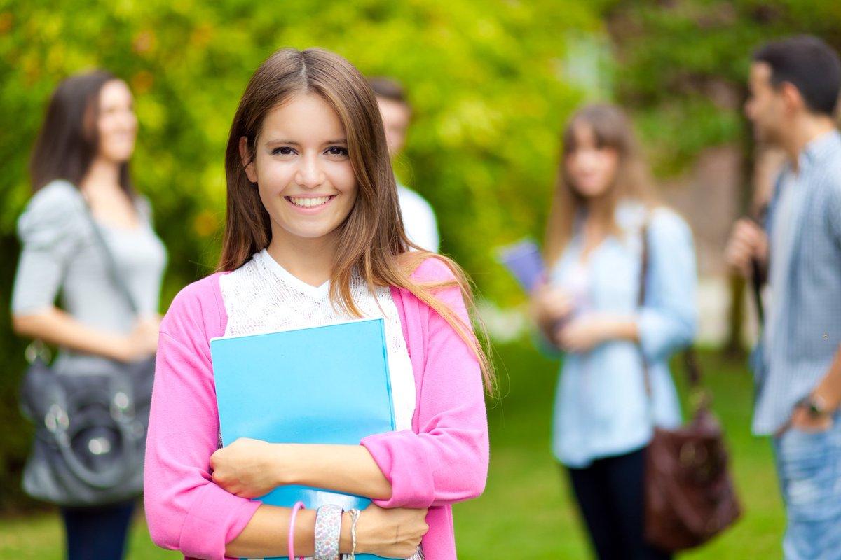 كلمة عن التفوق للطالبات