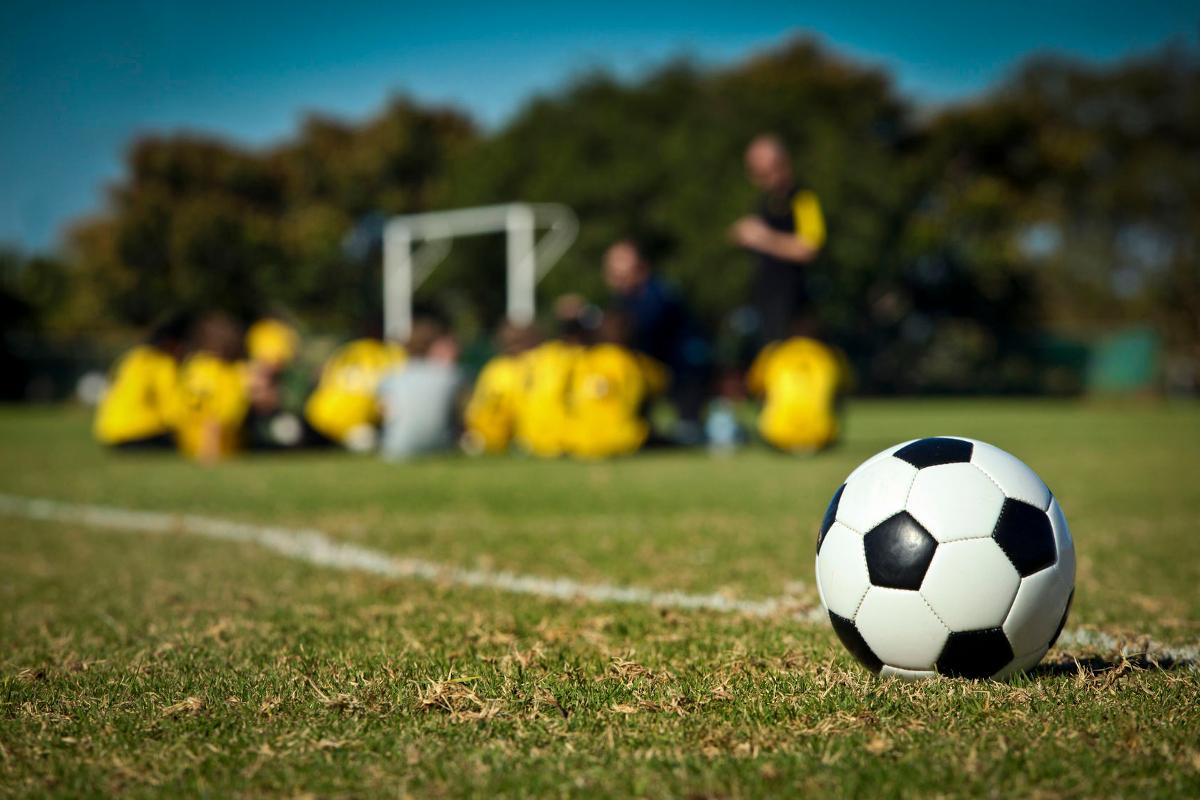 انواع المحاور في كرة القدم
