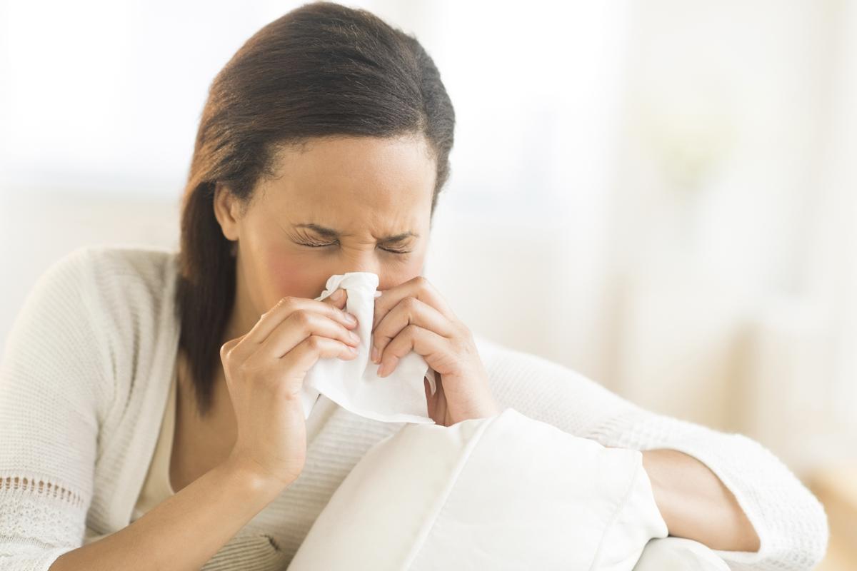 اعراض جفاف الانف والحلق