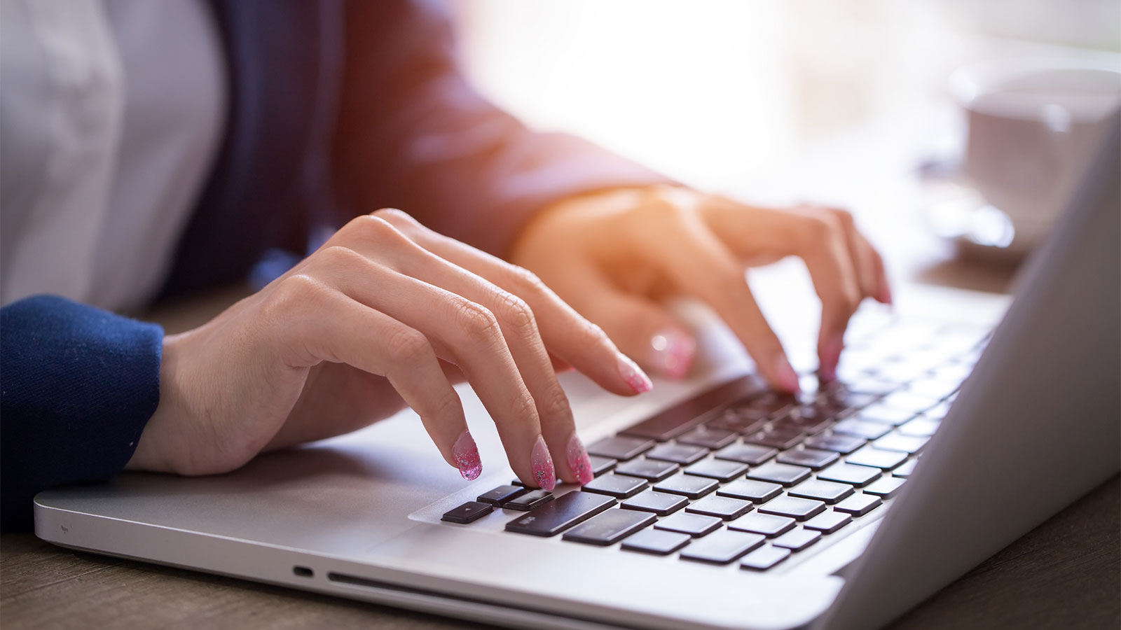خطوات في إنشاء حساب هوتميل جديد بالعربي