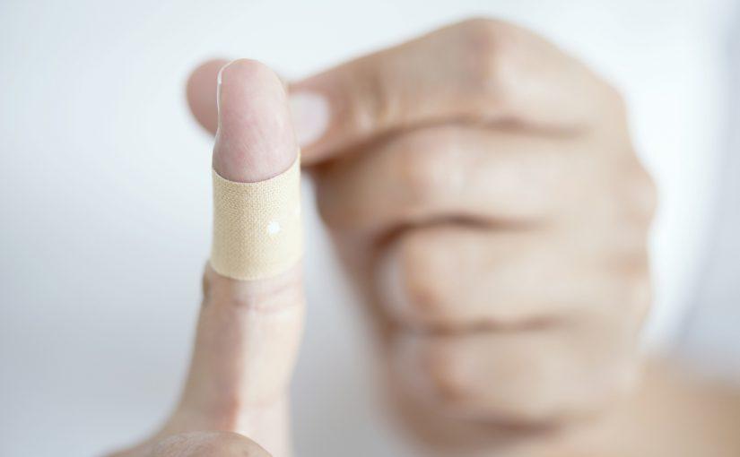 كيفية فتح خراج الاصبع