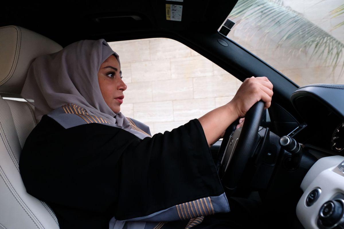 مدرسة لتعليم قيادة السيارات في دبي