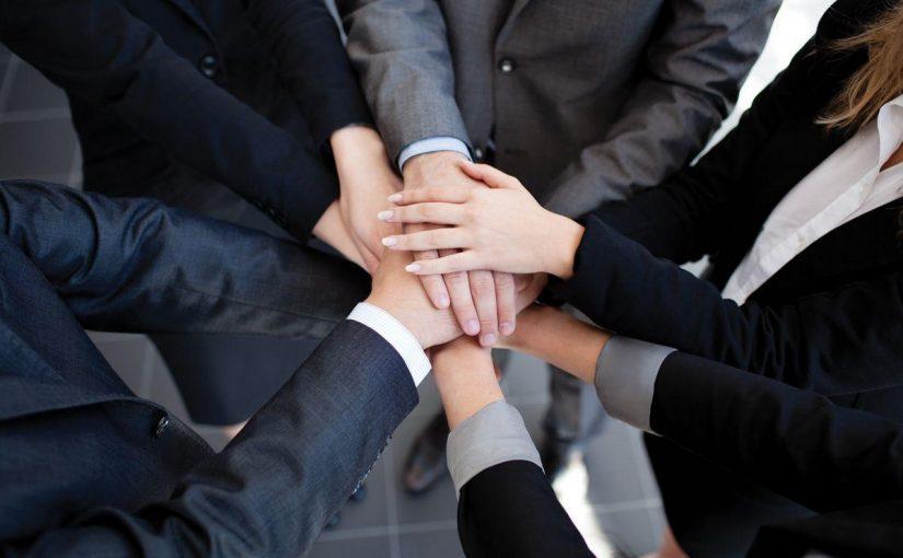 فوائد التعاون بين الناس